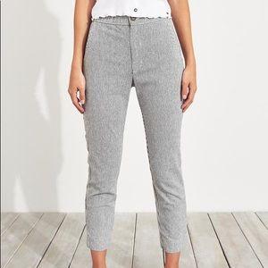Stretch crop tapor pants in grey stripe